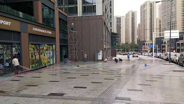 2018年10月13日长江之星外围清洗由重庆美万家保洁服务有限公司承接并保值完成,取得甲方一致好评!